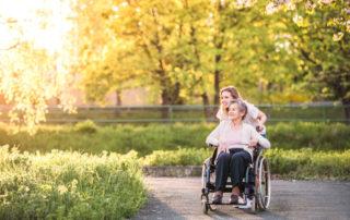 4 Benefits of Regular Family Outings for Seniors